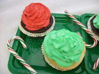 Red & Green cupcakes w/Candy Canes